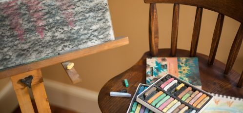 Vaucluse Rooms | Millhouse Studio with crayons and easel